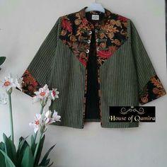 Batik Blazer, Blouse Batik, Batik Dress, Blouse Dress, African Fashion Dresses, Fashion Outfits, Womens Fashion, Mode Batik, African Blouses
