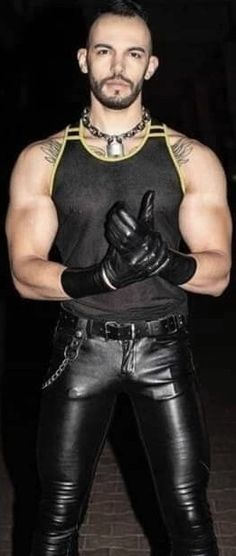 Mens Leather Pants, Tight Leather Pants, Biker Leather, Leather Gloves, Leder Outfits, Neck Chain, Body Inspiration, Bearded Men, Badass