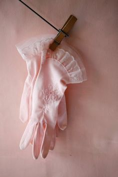 lace gloves <3