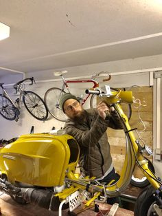 Lambretta Scooter, Vespa Scooters, Baby Strollers, Biker, Hobbies, Garage, Style, Projects, Motorbikes
