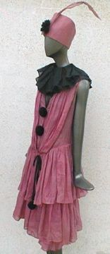 FC0415 fancy dress costume, Pierette, pink and black cotton, mid 1920s, from a Vancouver source
