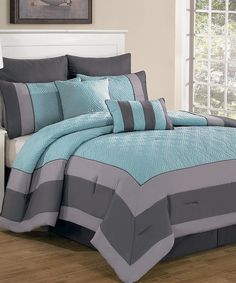 Blue Smoke Spain Quilted Overfilled Comforter Set