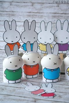 Printables (freebies) for crafting miffy eggs. Cardboard eggcup, Miffy on a stick, funny Easter decoration for kids, bunny egg cup Easterideas with miffy Easter Egg Crafts, Easter Bunny, Easter Eggs, Diy For Kids, Crafts For Kids, Diy Ostern, Miffy, Easter Printables, Easter Holidays