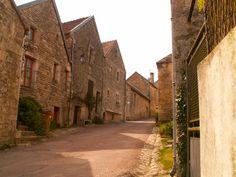 Flavigny-sur-Ozerain   Les plus beaux villages de France - Site officiel