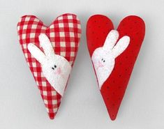 Valentine Heart, Valentines, Sewing Crafts, Sewing Projects, Fabric Hearts, Felt Diy, Felt Fabric, Felt Hearts, Easter Crafts