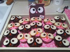 Cute owl cupcakes and matching card