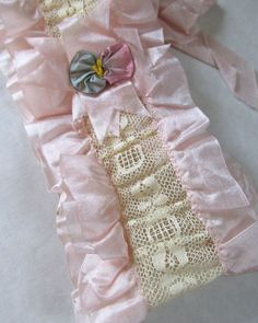 Antique Late Edwardian Bridal Pink Silk & Cream Lace Pansy Flower Wedding Garter