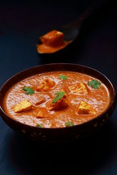 paneer makhani recipe - tasty and easy to make side dish for chapati, roti, naan and rice #indianfood #food #recipes #vegetarian #curry #paneer