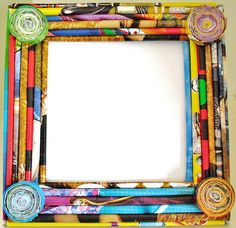 rolled paper picture frame Recycled Paper Crafts, Recycled Magazines, Newspaper Crafts, Recycled Crafts, Frame Crafts, Diy Frame, Paper Picture Frames, Rolled Paper Art, Fabric Bowls