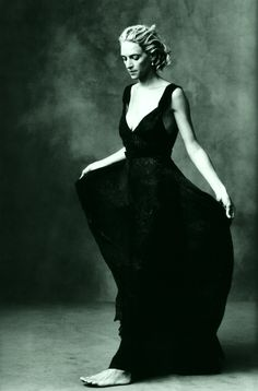 Uma Thurman by Annie Leibovitz. This is just so incredibly beautiful