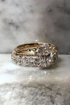 18 Oval Engagement Rings That Every Girl Drems ❤ oval engagement rings rose gold center oval diamond wedding band ❤ Oval Engagement, Beautiful Engagement Rings, Rose Gold Engagement Ring, Vintage Engagement Rings, Engagement Bands, Wedding Engagement, Engagement Jewellery, Wedding Rings Solitaire, Diamond Wedding Rings