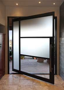 modern pivot door, metal and obscure glass (stern)