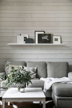 decordemon: Kocksgatan Calming beige shades for a Nordic apartment Stockholm, French Apartment, Scandinavian Style Home, Beautiful Places To Live, Handmade Furniture, Living Room Interior, Colorful Decor, Home And Living, Decoration