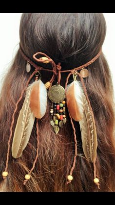 #indian #indien #indies #hair #cheveux #hairbands #headbands #plumes #feather #boho #bohemian #style #nacre #shell #summer #glamour #fashion #swag #beautiful #hairstyle #braided