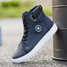 Fashion Men Casual Shoes High Top Sneakers Men Vulcanized Shoes Trainers Footwear Plus Size Gq Fashion, Spring Fashion Outfits, Fashion Shoes, Latest Fashion, Fashion Trends, Mens Boots Online, Mens Canvas Shoes, Football Shoes, Leather High Tops