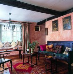 Colonial decor - wash on the walls gives a warm and friendly feel to the sitting room