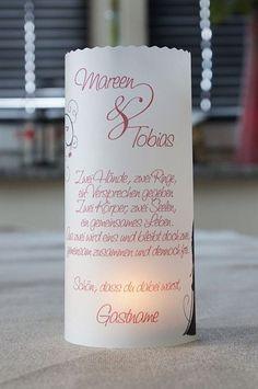 wunderschöne Lichthülle mit den Daten des Brautpaares und schönem Spruch. Höhe: 14,5 cm Durchmesser: 6 cm Jede Hülle wird mit viel Liebe und Sorgfalt von mir erstellt. Mein Tipp: Benutzt...