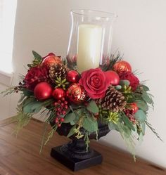 Inspiring Modern Rustic Christmas Centerpieces Ideas With Candles 67 Christmas Flower Arrangements, Christmas Flowers, Silk Flower Arrangements, Christmas Candles, Christmas Centerpieces, Xmas Decorations, Rustic Christmas, Christmas Time, Christmas Wreaths