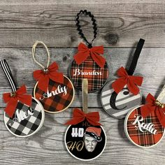 How to Make an Embroidery Hoop Ornament With HTV Learn how to create these embroidery hoop ornaments in this tutorial, using htv, burlap, buffalo pl Handmade Christmas Decorations, Christmas Ornament Crafts, Personalized Christmas Ornaments, Xmas Crafts, Diy Christmas Gifts, Christmas Projects, Christmas Décor, Buffalo Plaid Christmas Ornaments, Christmas Wreaths