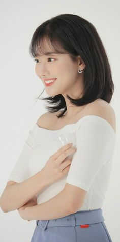 Short Hair Trends, Short Hair Styles, April Kpop, Girls Foto, Aesthetic Hair, Daniel Wellington, Brown Hair, Ulzzang, Girl Group