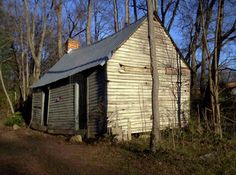 Image from http://www.preservationnation.org/assets/photos-images/preservation-magazine/todays-news-items/2010/Williams-Earle-cabin.jpg.