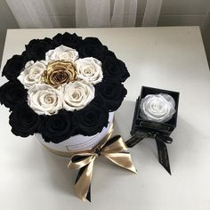"""60 mentions J'aime, 1 commentaires - The Prestige Roses Switzerland (@theprestigerosesswitzerland) sur Instagram : """"▪️▫️ Classic colors with some benefits✨ Perfect for home decoration Order:…"""""""