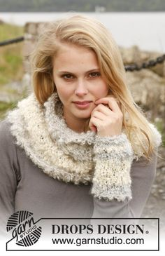 """Knitted DROPS wrist warmers and neck warmer in """"Puddel"""". ~ DROPS Design"""