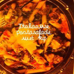 Italiaanse pastasalade met kip. Echt een heerlijk recept. Paella, Italian Recipes, Side Dishes, Salads, Cooking, Ethnic Recipes, Food, Cucina, Kochen