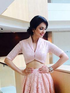 blouse designs latest - Her Crochet Choli Blouse Design, Blouse Designs High Neck, Sari Blouse Designs, Fancy Blouse Designs, Designer Blouse Patterns, Design Patterns, Dress Designs, Stylish Blouse Design, Kurti Designs Party Wear