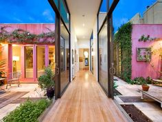 Double courtyard - 57 Wilson Street