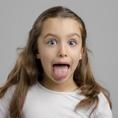 Una de las partes de la boca que hay que limpiar es la lengua. La lengua tiene muchas bacterias que pueden producir enfermedades dentales. Vigila tu salud oral.#dentistaenmajadahonda #clinicadentalenmajadahonda #revisiondentalenmajadahonda #limpiezadentalenmajadahonda #saludbucalenmajadahonda #higieneoralenmajadahonda #clinicadentaldraherrero #dentalarroque #odontologoenmajadahonda #odontologiaenmajadahonda #majadahonda Face, Oral Hygiene, Teeth Cleaning, Dental Implants, Tooth Brushing, Tooth Bleaching, Dental Health, The Face, Faces