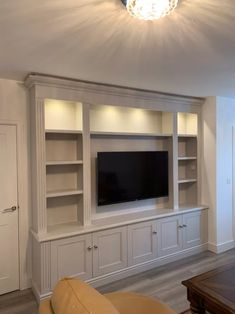 Built In Shelves Living Room, Built In Wall Units, Living Room Wall Units, Living Room Tv Unit Designs, Built In Bookcase, Home Living Room, Tv Wall Units, Built In Tv Cabinet, Tv Units