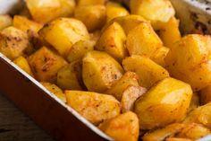 Stačia zemiaky a večera je hotová! Chile Guajillo, Sweet Potato, Ale, Potatoes, Vegetables, Food, Lemon Vinaigrette, Potato Recipes, Easy Recipes