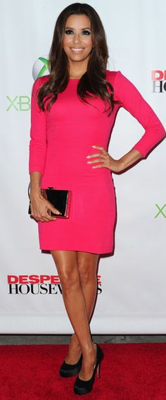 Eva Longoria This dress is very simple and elegant. I like it very much and would like to have it in every colour!