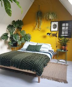 Cocooning room: 5 tips to create a cozy room # cocooning .- Cocooning room: 5 tips for creating a cozy room Home Interior Design, Room Design, Interior Design, Bedroom Decor Design, Yellow Bedroom, Bedroom Interior, Bedroom Inspirations, Cozy Room, Home Decor