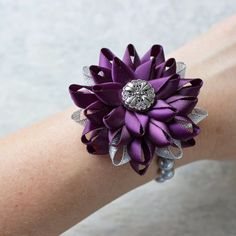 Hey, I found this really awesome Etsy listing at https://www.etsy.com/listing/226462876/wrist-corsage-flower-wrist-corsage