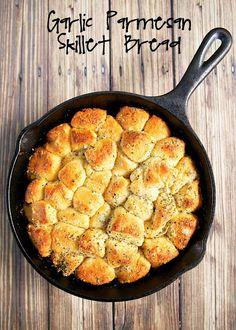 No Boil Baked Penne - Plain Chicken Skillet Bread, Cast Iron Skillet Cooking, Iron Skillet Recipes, Cast Iron Recipes, Skillet Meals, Skillet Food, Garlic Parmesan, Garlic Bread, Parmesan Risotto