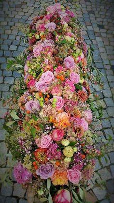 Precious Tips for Outdoor Gardens - Modern Casket Flowers, Grave Flowers, Funeral Flowers, Wedding Flowers, Large Flower Arrangements, Funeral Flower Arrangements, Deco Floral, Arte Floral, Funeral Sprays