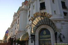 L'entree de l'hotel Negresco - Nice (06)