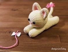 DOLCE GATTINO AMIGURUMI   un dolce gattino amigurumi (lo schema originale lo troverete in amigurumi today) il gatto misura circa 12 cm nello sc