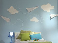 Manualidades y Artesanías   Dormitorio con aviones de papel   Utilisima.com