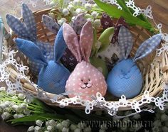 Zajączek Wielkanocny tkaniny szyte w koszyku