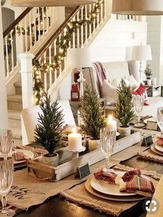 Festive Rustic Farmhouse Christmas Decor Ideas to Make Your Season Both Merry and Bright. Country Christmas Decoration ideas perfect for your holiday party this holiday season! Christmas Table Settings, Christmas Tablescapes, Christmas House Decorations, Christmas Candles, Christmas Home Decorating, Diy Christmas Table Decorations, Holiday Tables, Thanksgiving Table, Tree Decorations