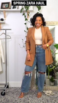 Mar 2020 - Hi everyone! Zara has some great pieces that could refresh your spring wardrobe. All these pieces are easy to style and some of them cab be dressed up for work or dressed down for the weekend. Classy Casual, Work Casual, Casual Looks, Smart Casual, Semi Casual Outfit Women, Black Casual Outfits, Casual Wear, Black Girl Fashion, Curvy Fashion
