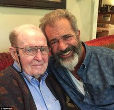Lt General Hal Moore hero of the Battle of La Drang Vietnam 1965 dies at the age of D: R. 7th Infantry Division, Army Infantry, Military Veterans, Vietnam Veterans, Battle Of Ia Drang, Hal Moore, Army Green Beret, North Vietnamese Army, Lieutenant General