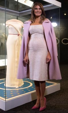 First Lady Melania Trump unveiled the exhibition of her Hervé Pierre Inaugural Ball gown as part of the First Ladies Collection at the Smithsonian National Museum of American History in Washington, DC. Milania Trump Style, Melania Knauss Trump, First Lady Melania Trump, Trump Melania, Blue Bridesmaid Dresses, Wedding Dresses, Designer Gowns, Royal Fashion, Fashion Outfits