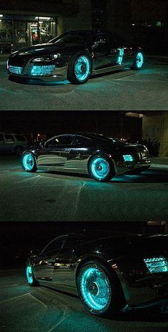 Dieses und weitere Luxusprodukte finden Sie auf der Webseite von Lusea.de  Customized Tron-Styled Audi R8 holy cowwwwwwwwwwwww that is totally the car I am getting