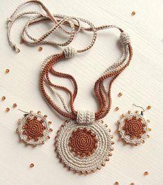 - Flax & Cotton Pendant and earrings Crochet Orname. – Flax & Cotton Pendant and earrings Crochet Ornaments Crochet Necklace Pattern, Crochet Jewelry Patterns, Crochet Bracelet, Crochet Accessories, Crochet Earrings, Textile Jewelry, Fabric Jewelry, Diy Jewelry, Jewellery