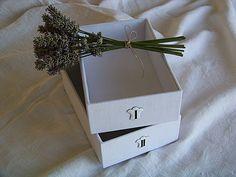 Tutos pour fabriquer de jolies boites en carton recouvertes de tissu