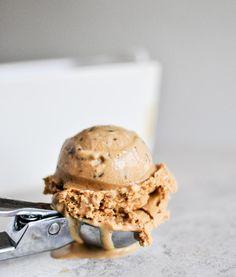 Burnt Caramel Bourbon Ice Cream #recipe made by @How Sweet Eats